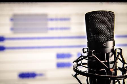 comment écouter un podcast